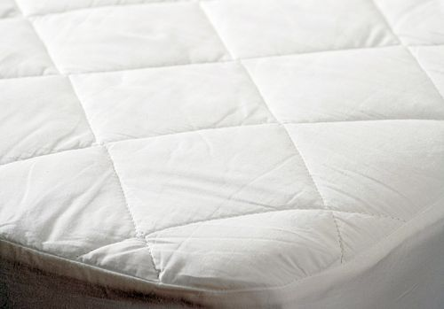 2 IN 1 - Quilted & Waterproof Mattress Protector